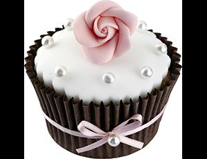 Cupcake décoré avec du Fondant Prêt à l'emploi et une rose en pâte à sucre