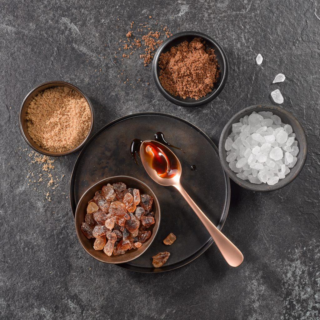 4 rodzaje cukru kandyzowanego: cukier kandyzowany kryształ, cukier kandyzowany, proszek kandyzowany i syrop kandyzowany