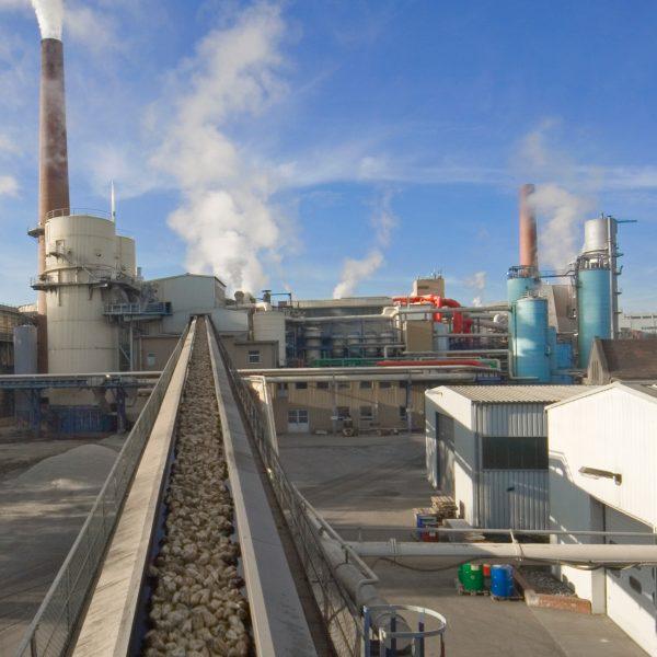 Fabryka, w której odbywa się fermentacja cukru